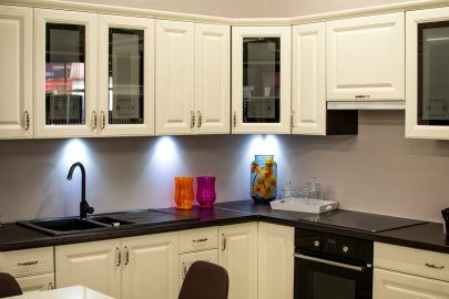 interior-design-kitchen-white-cabinets